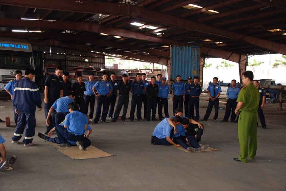 Hoàn Cầu tổ chức tập huấn cứu hộ cứu nạn